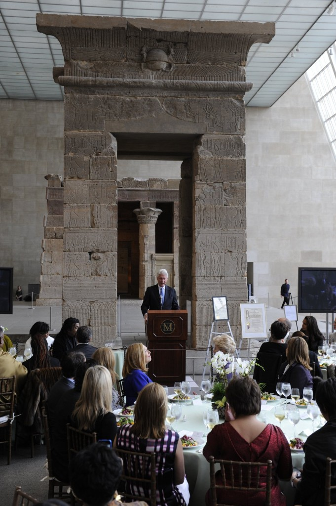 4.BillClinton,Temple of Dendur