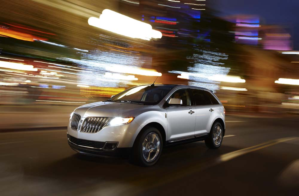 The 2011 Lincoln MKX features Ford's driver connect technology, which organizes functions and settings to minimize driver distraction. (Image source: Ford)