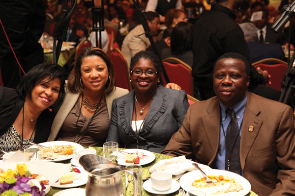 Conference attendees enjoy good food and inspiration at the Black Enterprise Small Business Awards luncheon.