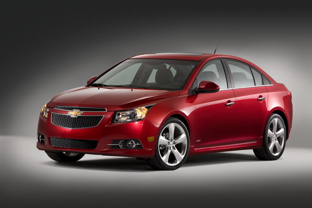 Chevrolet expects the 2011 Cruze Eco to deliver the best fuel economy in the compact-car segment, while offering midsize car presence. When the Cruze Eco hits dealership in late 2010, it will deliver an estimated 40 mpg on the highway with the standard six-speed manual transmission. (Image source: GM)