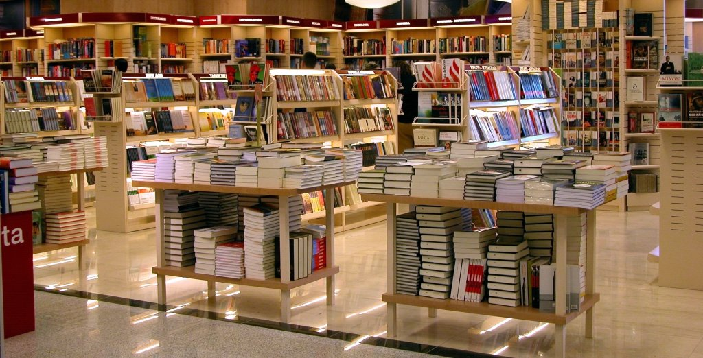 Location is Key: Amazon Books Opens Retail Store