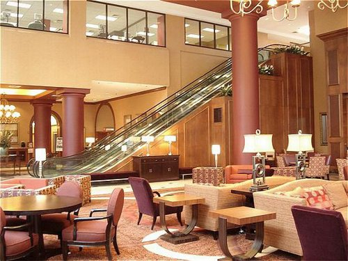 ACCOMMODATIONS: Crowne Plaza St. Louis -- Downtown (200 N. Fourth St.; 314-621-8200) provides 16,000 square feet of meeting room space including the Promenade Deck. Guest rooms are spacious, and dining options include the scenic Union Grill with three walls of floor-to-ceiling windows. For intimate meetings, ask about the private access Concierge Lounge.