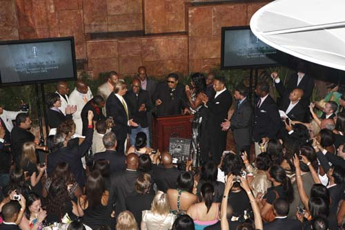Trump brought the real star to the power premiere party for The Ultimate Merger, as attendees extend their cameras and phones in an effort to capture an image of their host. Notable attendees included Pastor Jamal H. Bryant, Omarosa's fellow Apprentice alumna Stacie Jones Upchurch, actress LisaRaye McCoy and DJ Biz Markie.