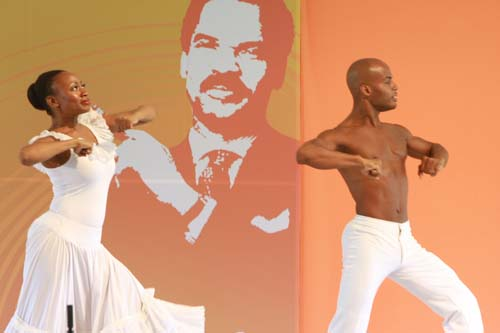Luncheon attendees also enjoyed an exclusive performance from Alvin Ailey American Dance Theater. The dancers performed against a backdrop featuring an image of the late Lewis.