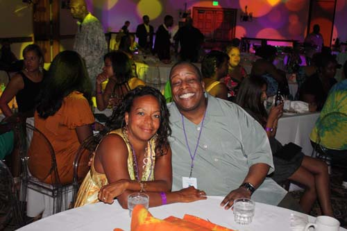 Gale Jones and Black Enterprise Magazine Editor-in-Chief Derek Dingle enjoy the sounds of the '70s. (Photo by LaToya M. Smith)