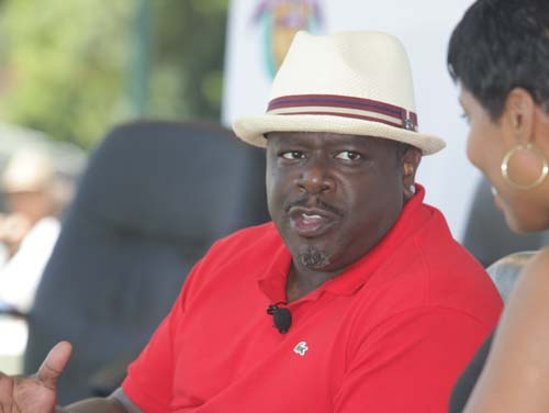 Cedric the Entertainer shares how he transitioned from stand-up comedy to television and film roles with panel interviewer Vanessa Holiday.