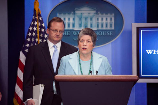 White House Briefs On Government Response To Swine Flu Threat