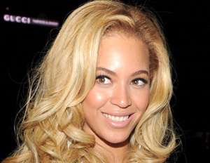 Winging It: Beyonce Makes a Power Move