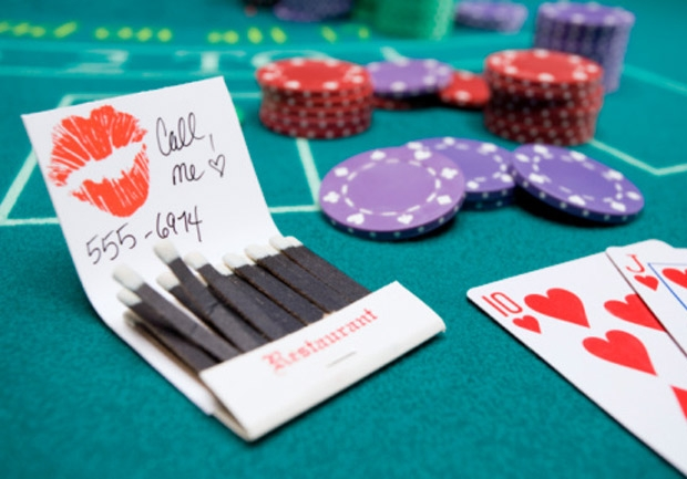 woman leaving call me note with number at gambling table