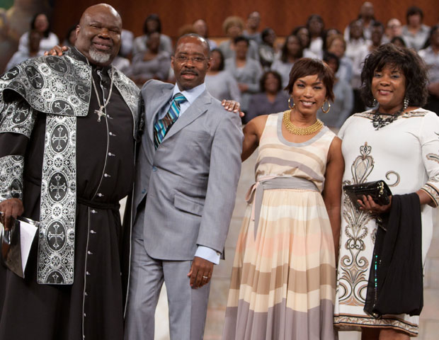Law & Order star Courtney Vance joins Angela Bassett and Loretta Devine during Bishop T.D. Jakes' Easter service at The Potter's House