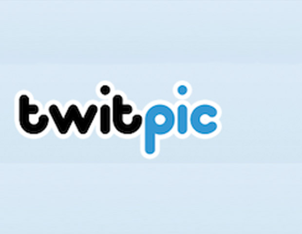Twitpic:   Twitpic is the original real-time Twitter photo-publishing tool but has been outpaced by some of the newer services in terms of features. But if you're simply looking to share photos from a desktop or a mobile device, it gets the job done fairly simple.