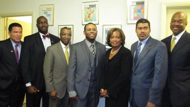 Warren Ballentine (center)