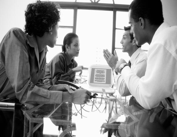3 Ways Men & Women Communicate Differently at Work