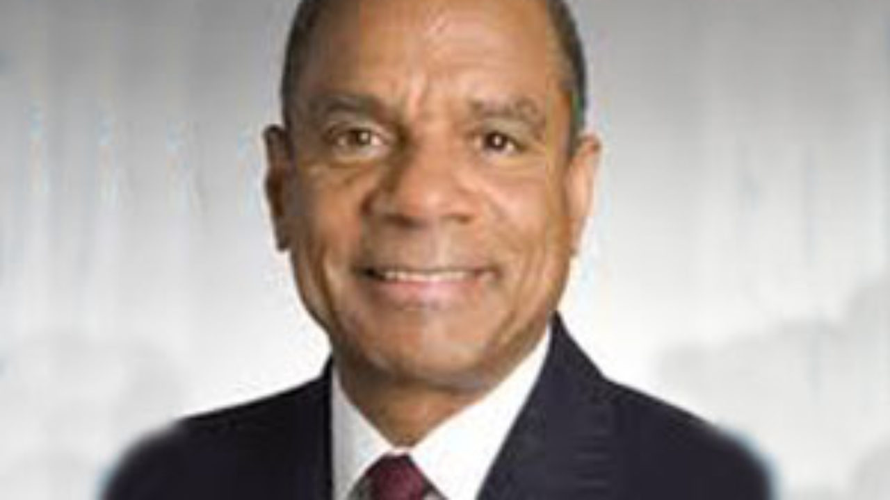 Ken Chenault to Retire From Amex, Leaving Handful of Black
