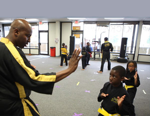 Horne training one of his students