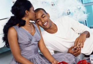 black-couple-holiday-325x225.jpg
