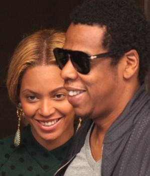 Beyonce-and-Jay-Z-closeup-300x350.jpg