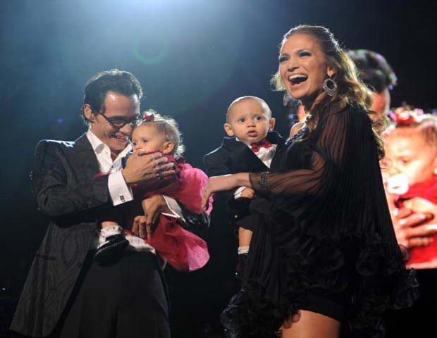 Jennifer Lopez and Marc Anthony620x480