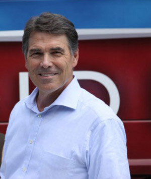 Perry Ends Bid for President, Endorses Gingrich