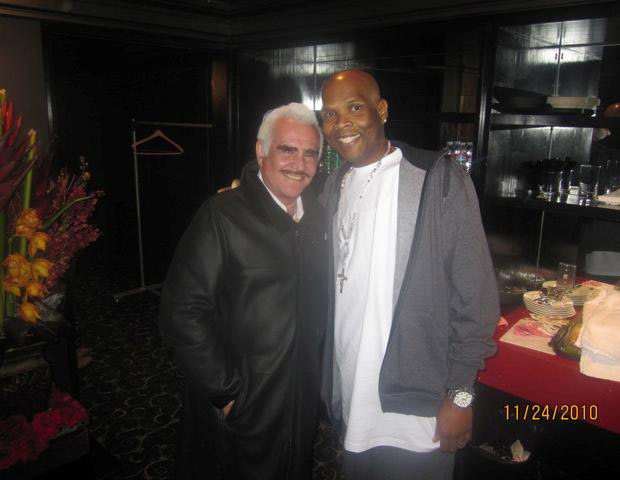 AFTER: Big Boy poses with Mexican singer/producer Vicente Fernández Gómez