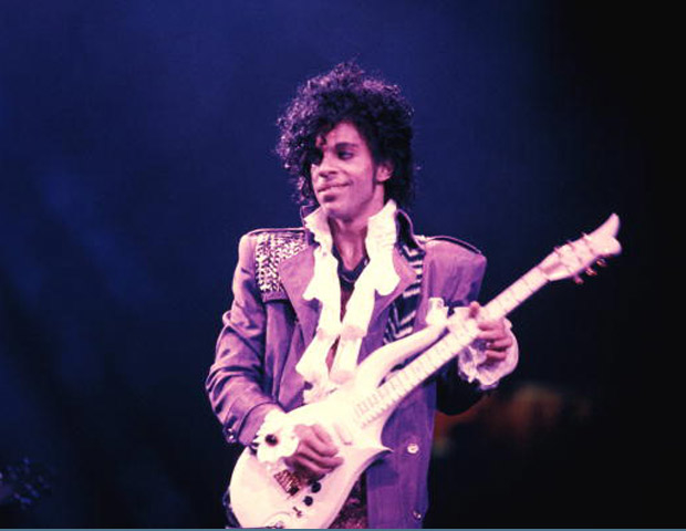 prince on guitar