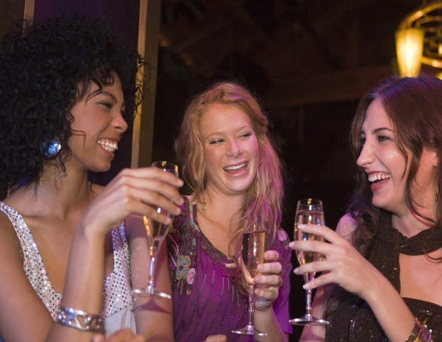 WomenNetworkingParty620480