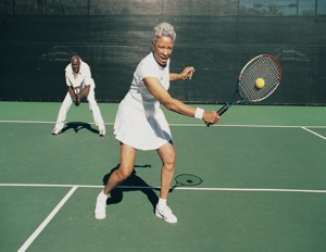 Older_man_woman_playing_tennis