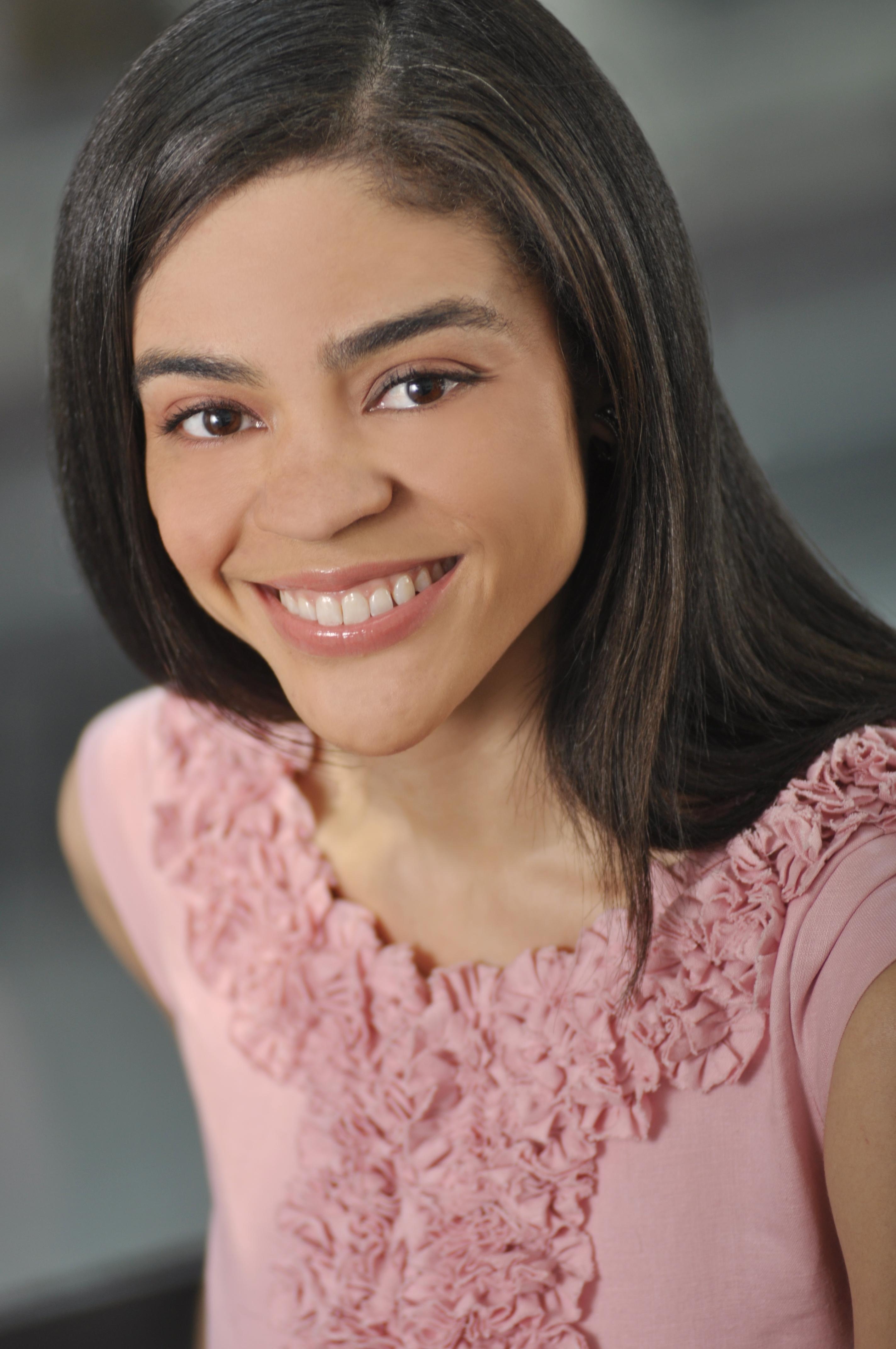 Author and Atlanta native, Kelly Smith-Beaty