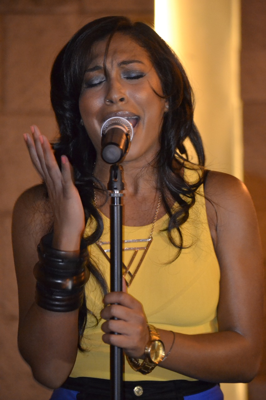 Melanie Fiona wowed the crowd with an energetic performance.