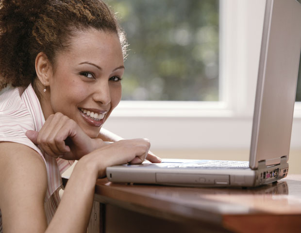 young-lady-on-computer_620x480