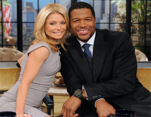 "Michael Strahan Goes ""Live With Kelly!"""
