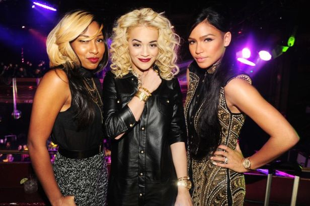Last week on October 10th, the stars came out to celebrate the 8th Annual Paper Magazine Nightlife Awards Presented by Hennessy V.S  at Webster Hall in NYC. Roc Nation's resident bad girl Rita Ora was in the house chatting up Bad Boy singer Cassie Ventura and Canadian beauty Melanie Fiona - who went blonde for the occasion. The three ladies hung out in the V.I.P. section and sipped on specially made Hennessy V.S. cocktails poured from the Limited Edition Hennessy V.S Futura bottle.