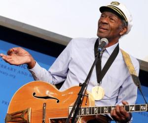 Chuck Berry Honored at Rock and Roll Hall of Fame