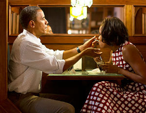 The Obamas Finally go on That Anniversary Date