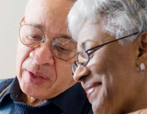 old-black-couple-smiling