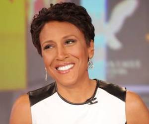 Robin Roberts Named Glamour Woman of the Year