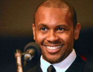 Kevin Powell smiling