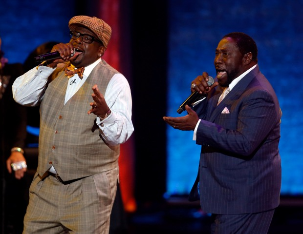 Host Cedric the Entertainer and singer Eddie Levert perform during the Soul Train Awards.