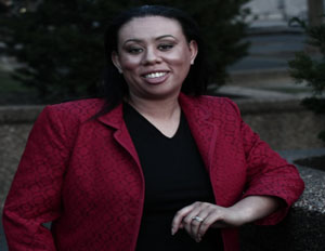 2014 Women of Power: S. Lynn Cooper Shares How To Use LinkedIn To Move Up
