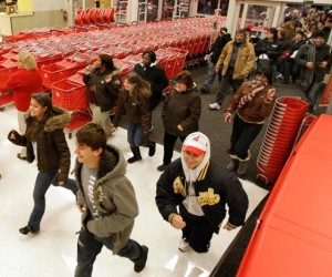 More retailers opening Thanksgiving Day for their blowout sales