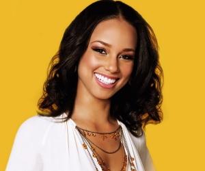Alicia Keys Plans Her Own Version of the National Anthem for Super Bowl