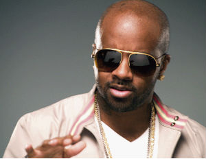 jermaine dupri with sunglasses on