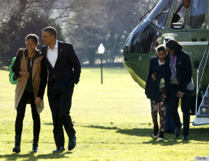 President Obama & Family Return to the White House in Style