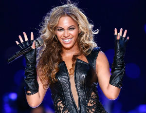 beyonce smiling super bowl