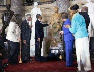 President Obama Takes Photo W/ Rosa Parks Relative