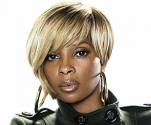 VIBE Honors Mary J. Blige At Pre-Grammy Event