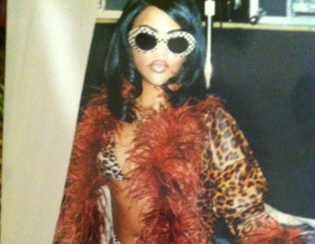 lil kim in lingerie and glasses