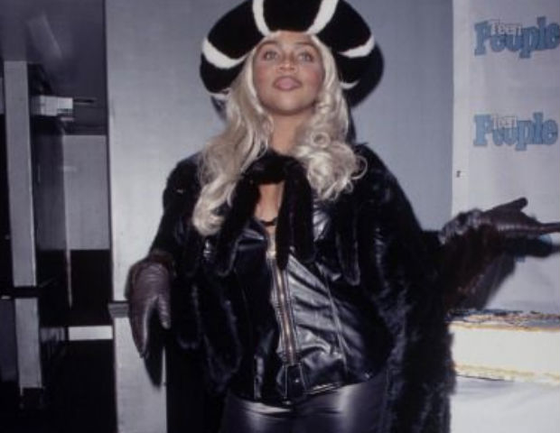 lil kim all black outfit