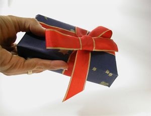 How to Turn Your Customer's Holiday Gifts Into a Marketing Tool