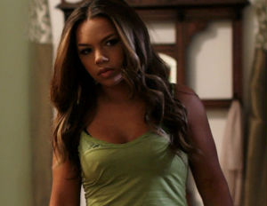 kiely williams holla 2